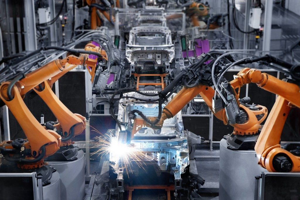 Car manufacturer with automated machines