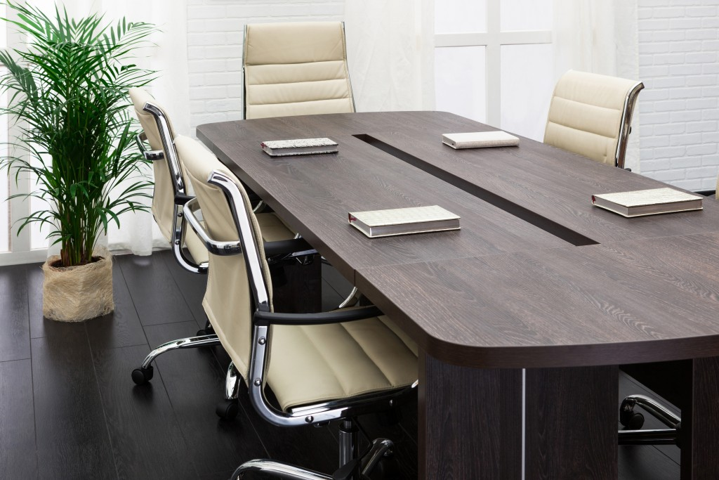 3 Tips on Buying the Perfect Office Desk