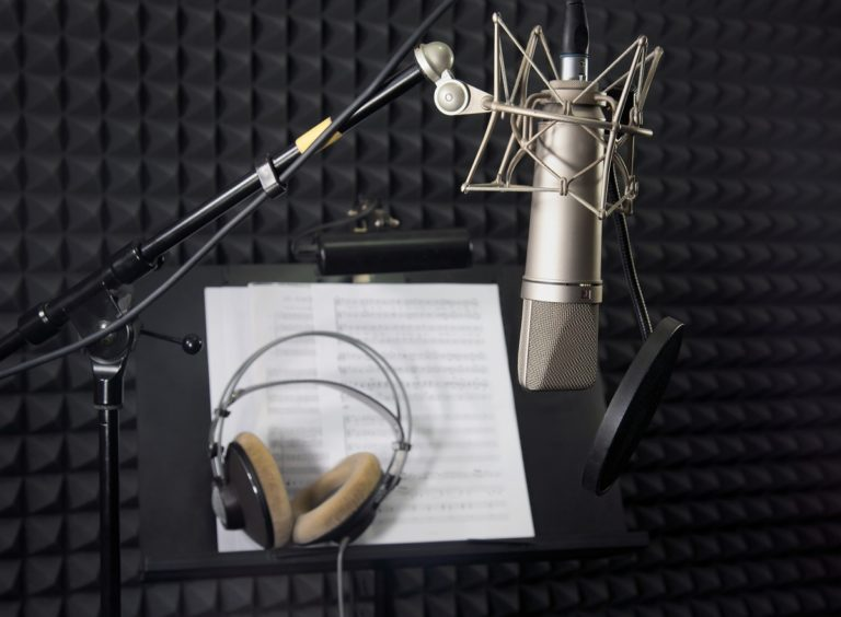 Sound recording studio with soundproof wall