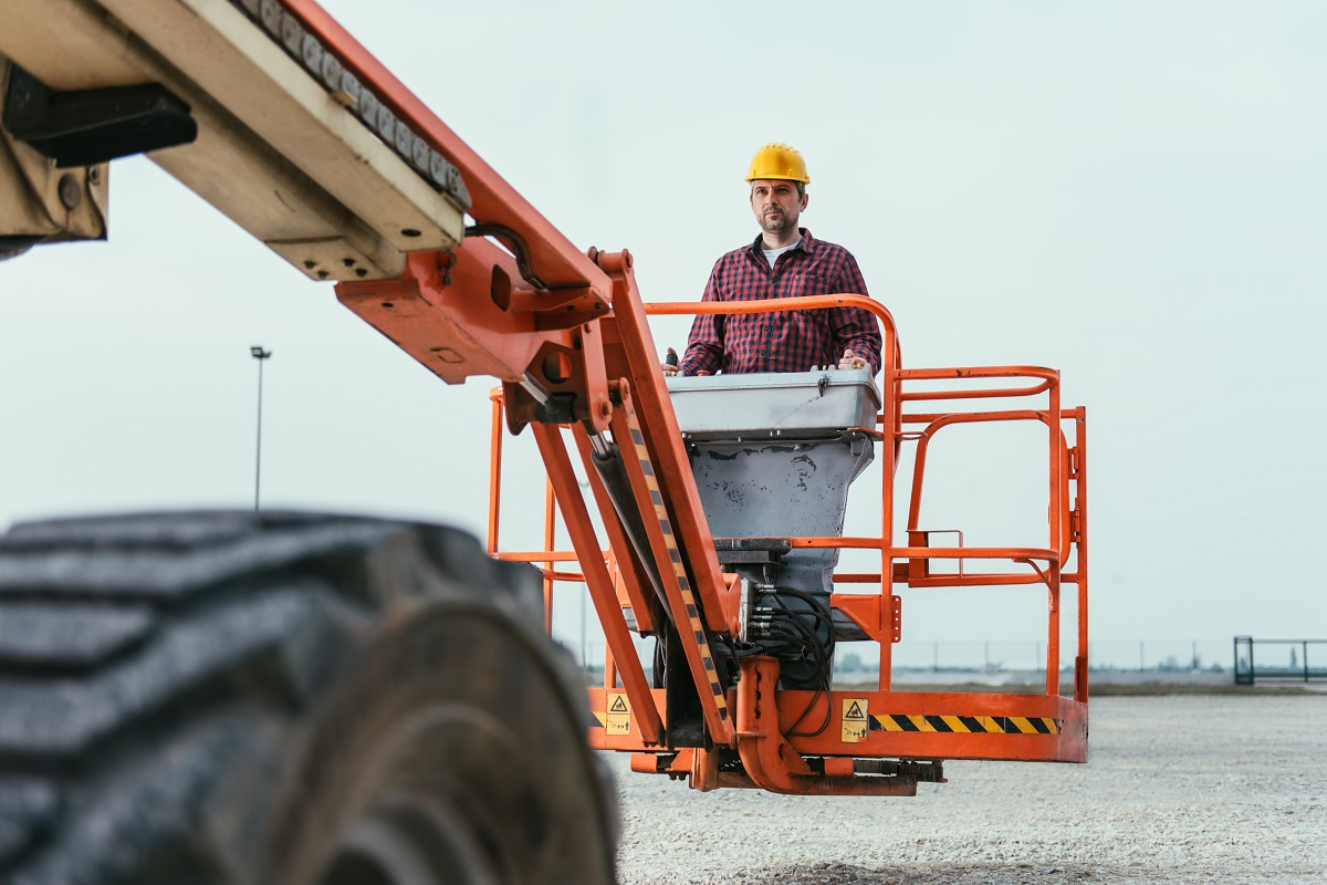 Signs Your Earth-Moving Machinery Needs Maintenance