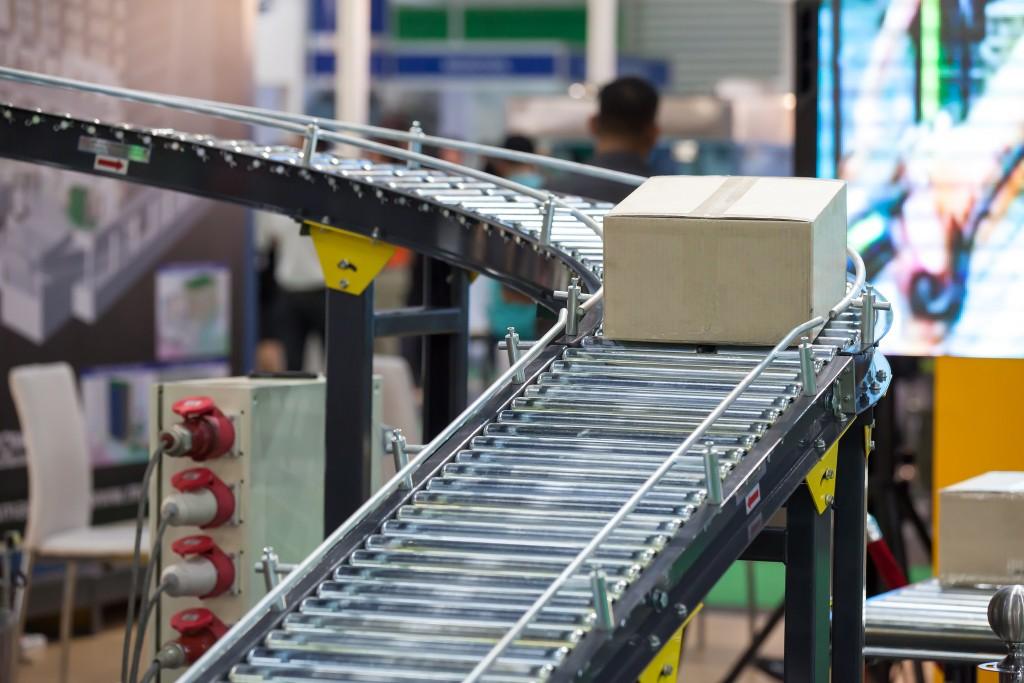 Conveyor Belt system for Package tranfer machine